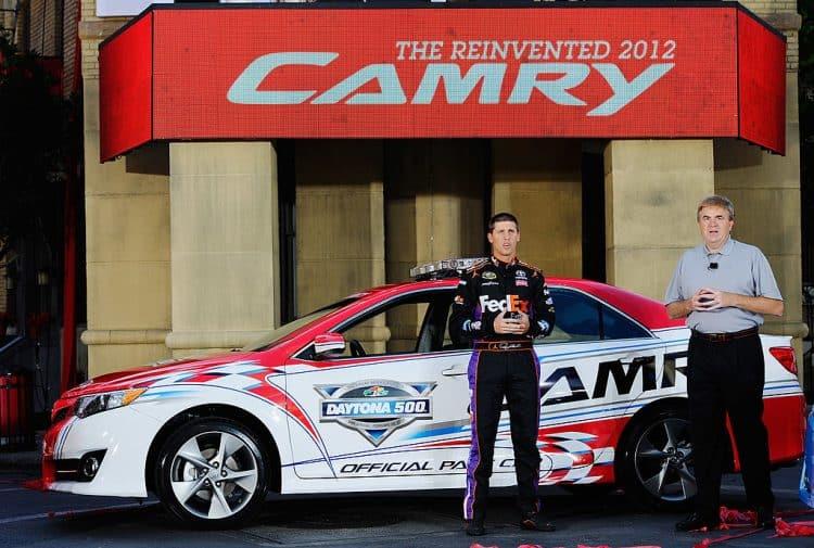 Toyota presenta el Camry 2012