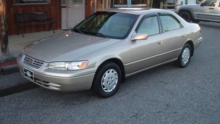 1618271117 851 1999 Toyota Camry Toyota Camry: los 5 mejores modelos de la década de 1990