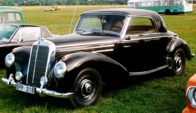 1951-Mercedes-Benz-W187-220