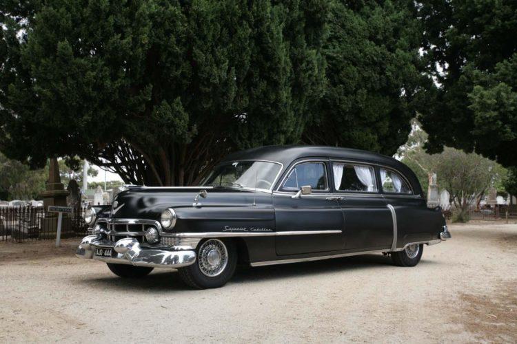 1951 Ambulancia Cadillac Superior