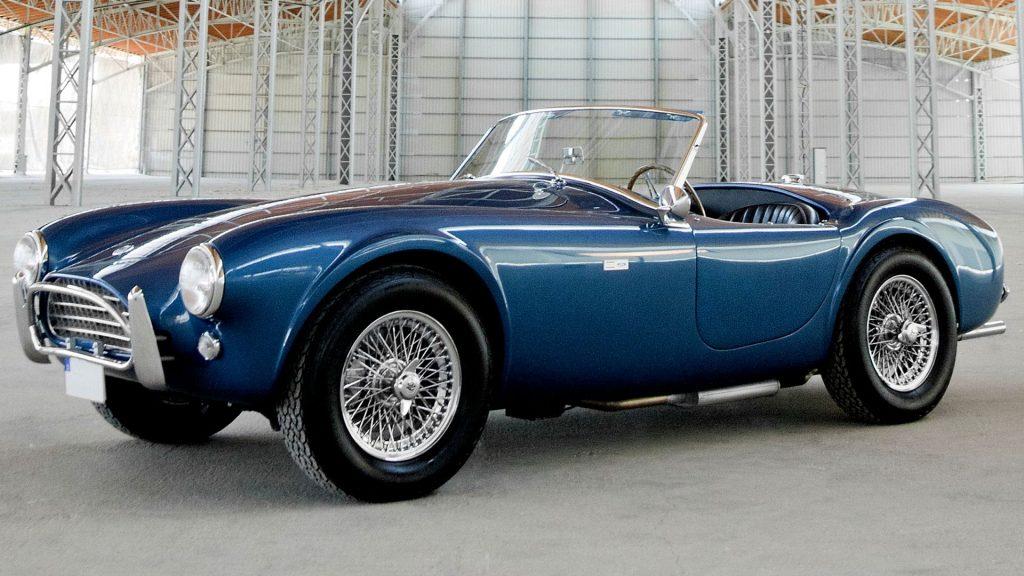 1963 Shelby Cobra Los 10 mejores autos deportivos de la década de 1960