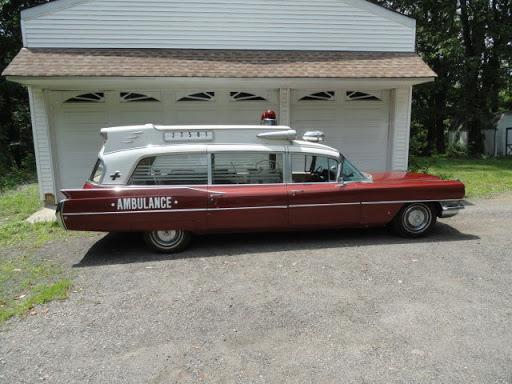 1964 Ambulancia Cadillac Superior