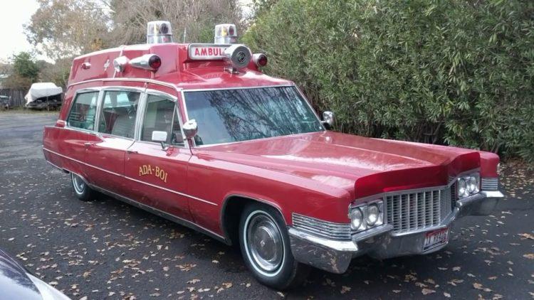 1970 Ambulancia superior Cadillac Hightop