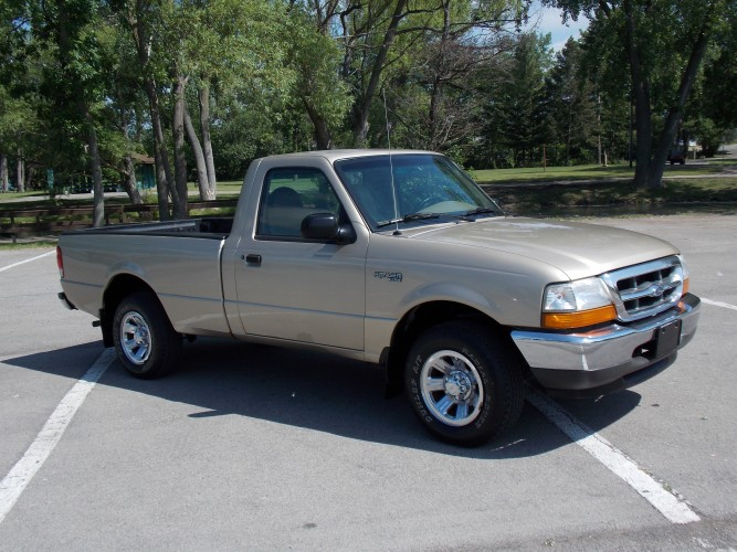 2000 Ford Ranger camioneta 2WD