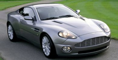 2001 Aston Martin Vanquish Los 10 mejores modelos de Aston Martin de todos los tiempos