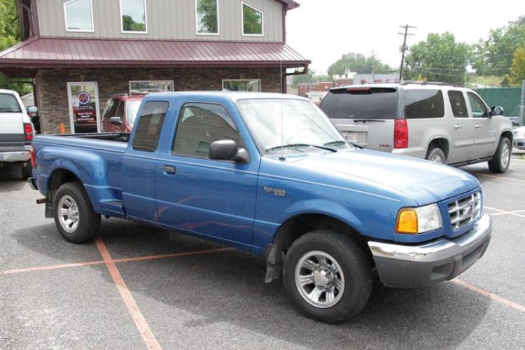 2001 Ford Ranger camioneta 2WD