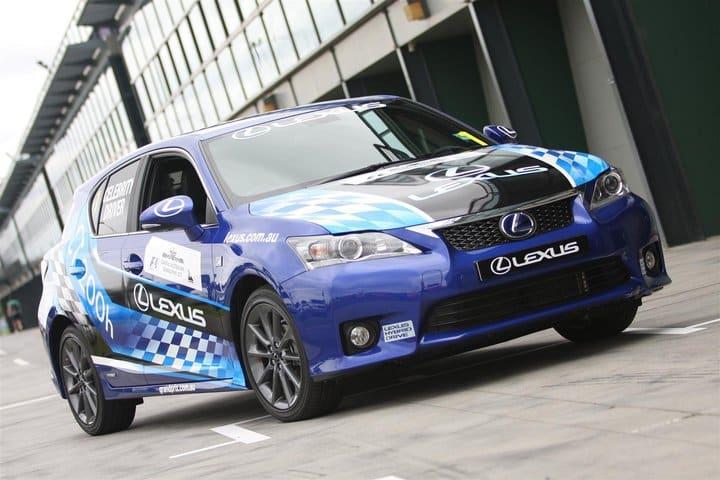 2011 leuxs ct200h celebritychallenge 12 4d364d94e459c Historia y evolución del Lexus CT200H