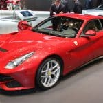 2013 Ferrari F12 Berlinetta front three quarters Historia y evolución del Ferrari F12 Berlinetta