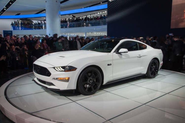 """2018 Ford Mustang GT Siete de los mejores modelos de automóviles """"GT"""" que debe tener en cuenta en 2018"""