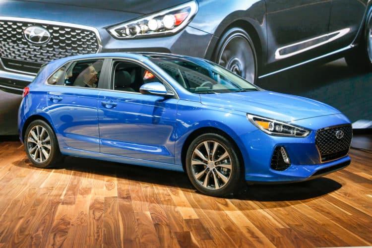 """2018 Hyundai Elantra GT Siete de los mejores modelos de automóviles """"GT"""" que debe tener en cuenta en 2018"""
