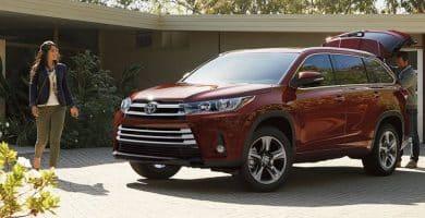 2018 Toyota Highlander 07 10 modelos de automóviles que obtienen las mejores tarifas de refinanciamiento de automóviles