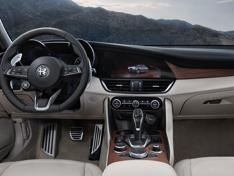 Interior del Alpha Romeo Giulia 2020