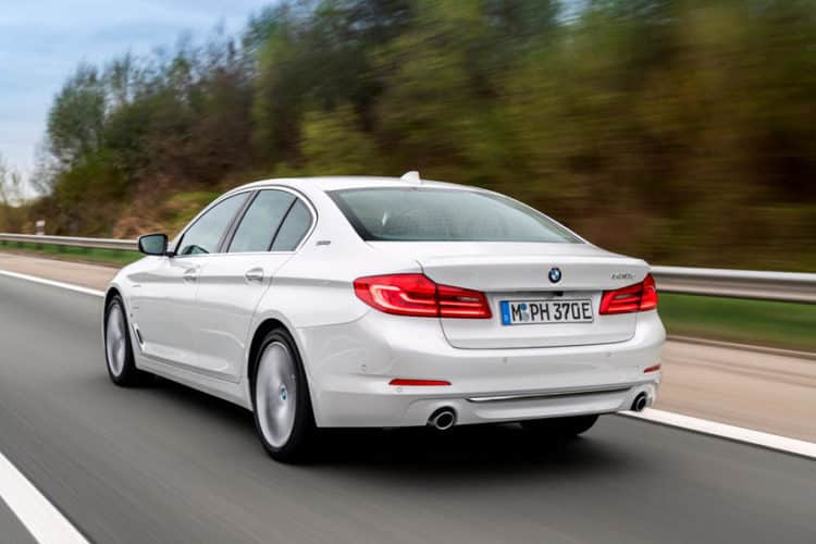 BMW 530e 2020: híbrido de 350 millas