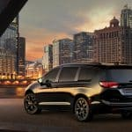 2020 Chrysler Pacifica Hybrid scaled Los 20 mejores autos híbridos enchufables asequibles para 2020