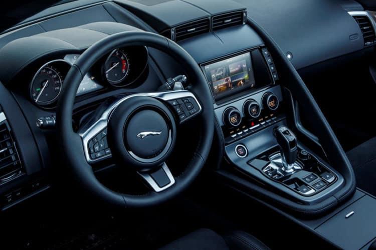 Interior del Jaguar F-Type R 2020