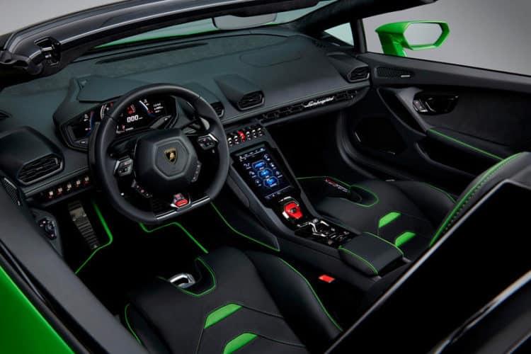 Lamborghini Huracan 2020 El interior