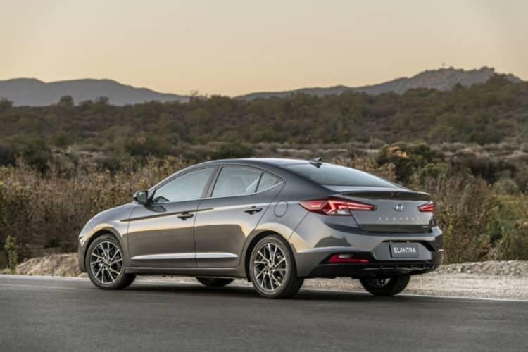 Hyundai Elantra 2021 returns