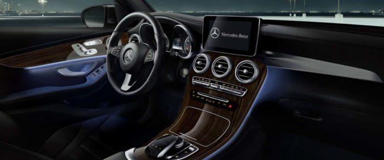 Interior del Mercedes-Benz GLC 2023