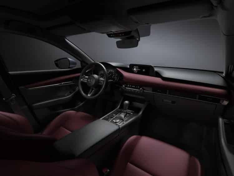 31 mazda3 int cockpit burgundy 1548268942 Una mirada más cercana al Mazda 3 2019