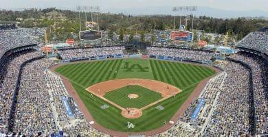 81838 full El costo promedio para asistir a un juego de los Dodgers de Los Ángeles