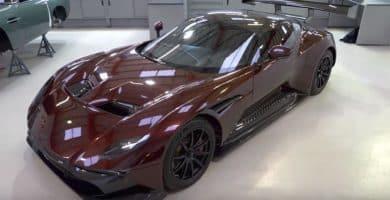 Aston Vea el primer Aston Martin Vulcan legal de la calle salir a la carretera