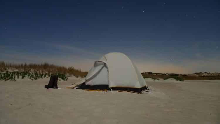 campamento-en-la-isla-de-los-osos