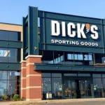 Dicks 1 scaled e1579528919504 10 beneficios de tener una tarjeta de crédito para artículos deportivos de Dick