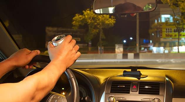 DrinkingandDriving Autoconducción que los autos no permitirán que los conductores ebrios tomen el control