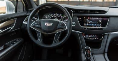 Interior of a Cadillac ¿Qué hace que el interior de un Cadillac sea diferente de todos los demás autos?
