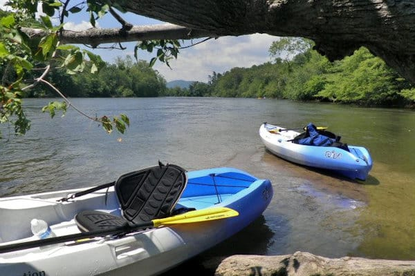 kayak-el-río-ancho-francés