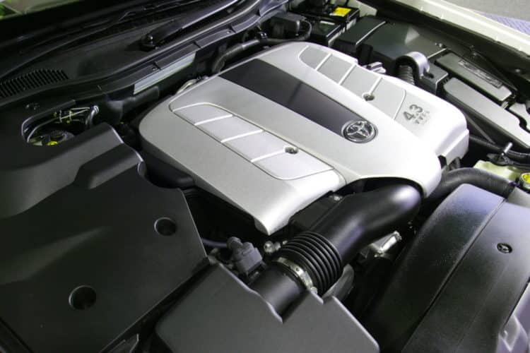 Motor Lexus 1