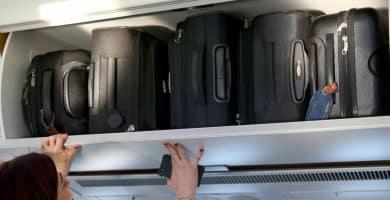 Luggage 13 cosas que debe llevar en su equipaje de mano