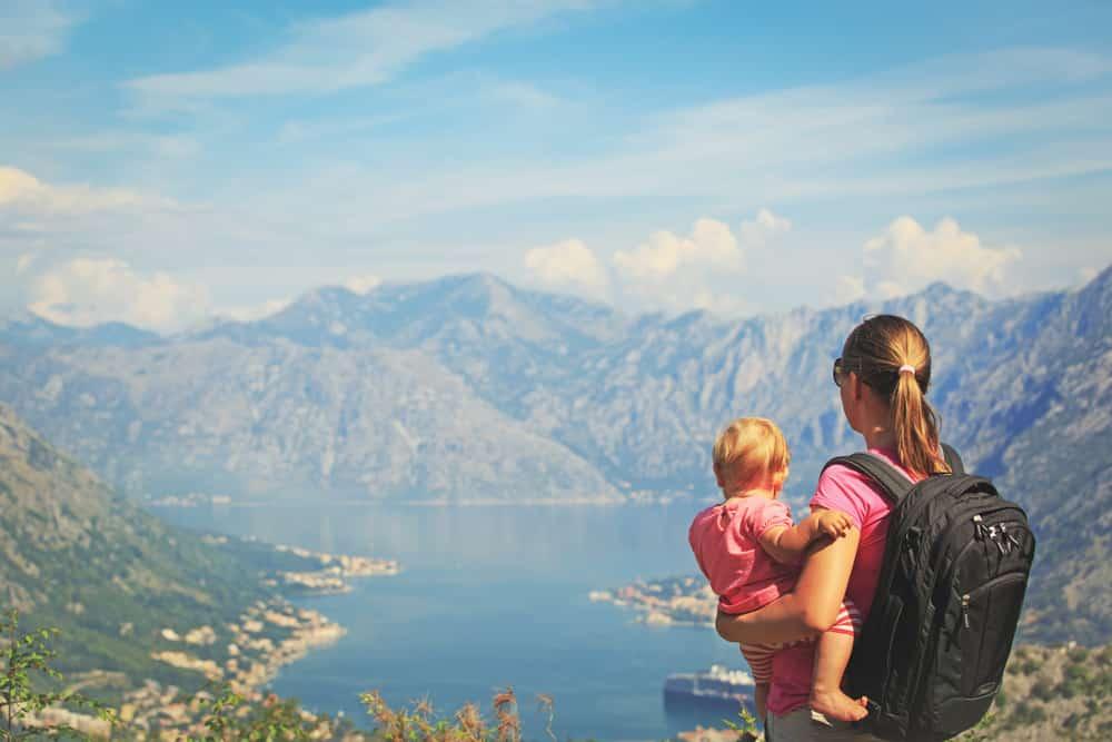Must Pack Accessories When Traveling With Infant s Toddlers 10 beneficios de tener una tarjeta de crédito de Expedia