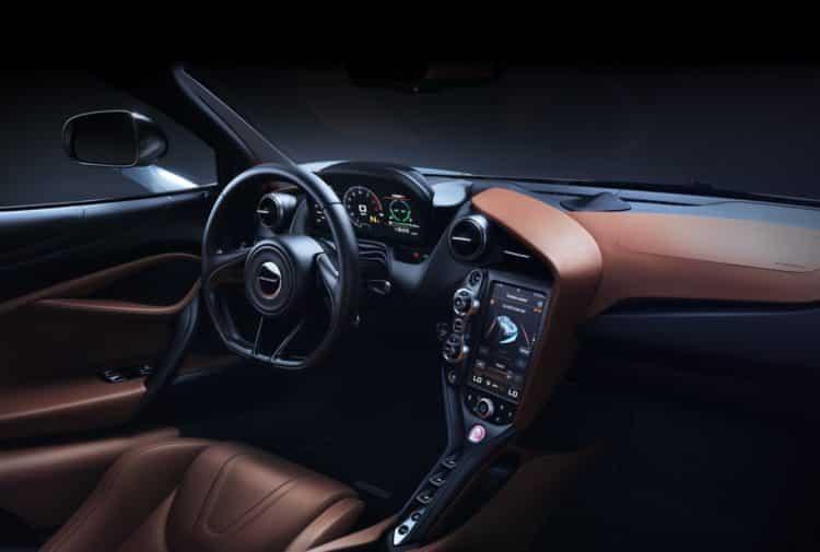 P14 interior updated dash crop1898x1289 crop1898x1279 10 cosas que no sabías sobre el McLaren 720S