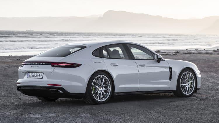 Porsche Panamera Los 10 coches eléctricos más esperados para 2018