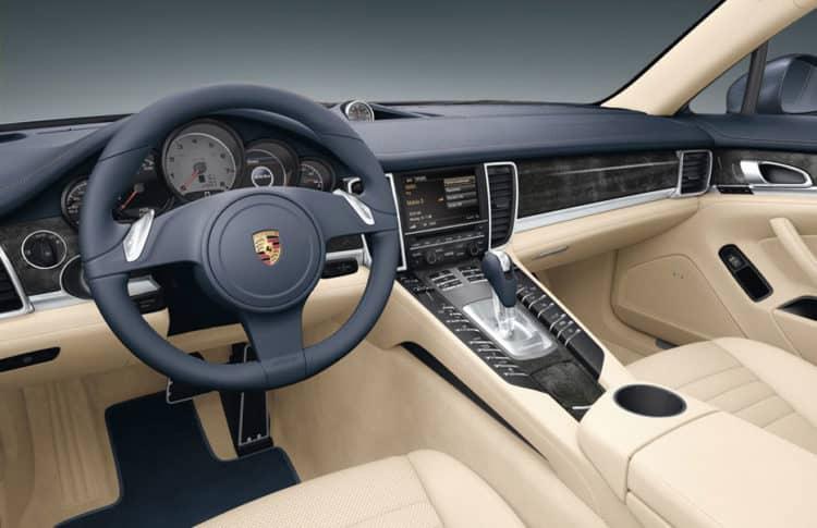 Porsche Panamera S Manual