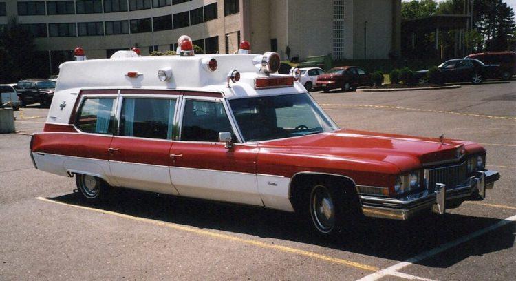 La ambulancia Cadillac Superior de 1973