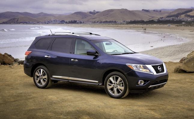 El Nissan Pathfinder Hybrid 2014/15