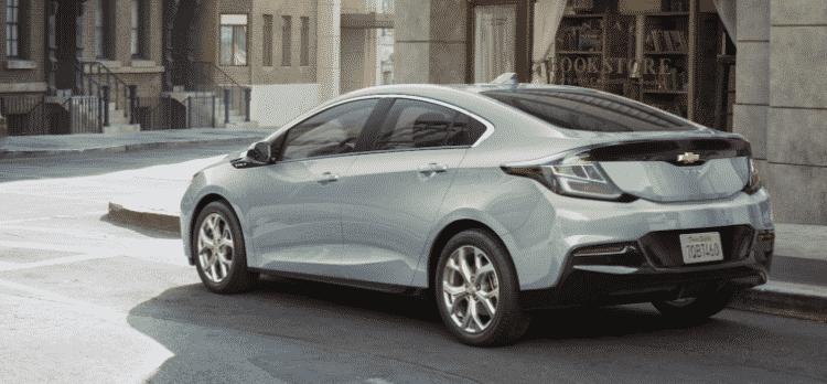 Volt 1 760x353 Top 20 coches compactos 2018
