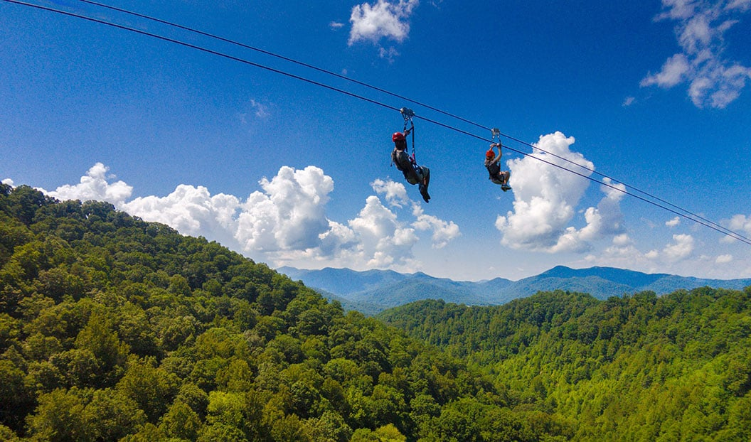 Zipline the Blue Ridge Mountains Cinco increíbles aventuras al aire libre en Carolina del Norte
