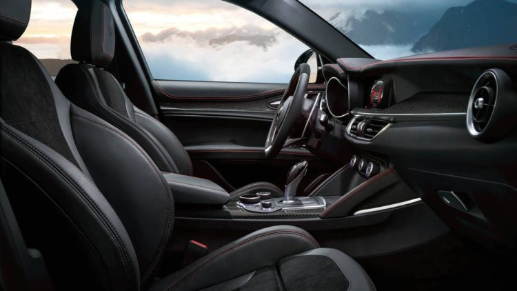 ar018 029st 1 Una mirada más cercana al Alfa Romeo Stelvio Quadrifoglio 2019
