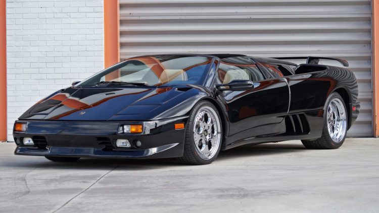 fl0117 269722 1@2x La historia y evolución del Lamborghini Diablo