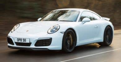 porsche 911 1 e1533225125572 10 autos deportivos baratos que obtienen el mayor beneficio por su dinero