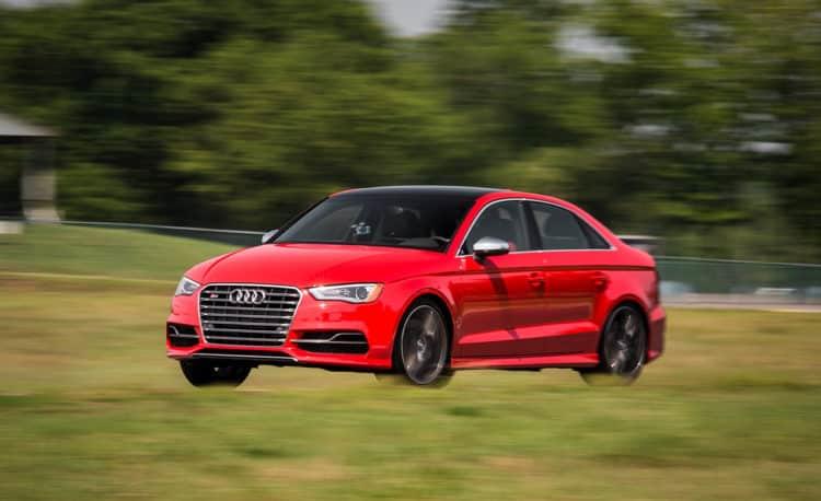 Rawr 10 autos deportivos asequibles que obtienen el máximo rendimiento por su dinero