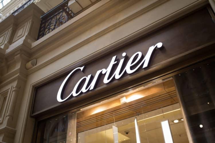 shutterstock 1111578386 e1607688914219 ¿Cómo se reconoce un anillo Cartier falso?