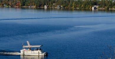 shutterstock 190916144 e1597503755991 Los 5 mejores pontones eléctricos que el dinero puede comprar