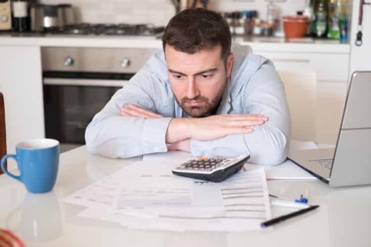 shutterstock 598561409 e1608638732121 Cómo liquidar la deuda de la tarjeta de crédito antes de ir a la corte