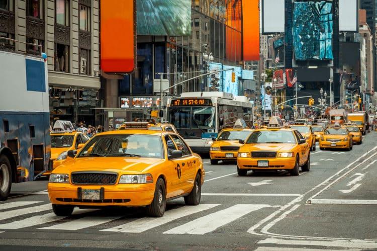 shutterstock 686662240 e1612289424286 Los 20 mejores lugares para vivir en los EE. UU. Sin un automóvil