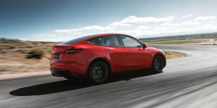 tesla model y rear 1552622571 Una mirada más cercana al Tesla Model Y totalmente eléctrico