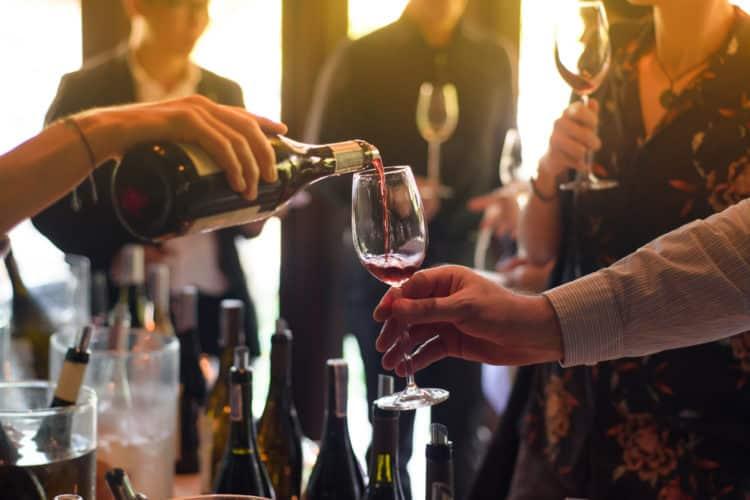 Cata de vinos en la bodega Continental Divide